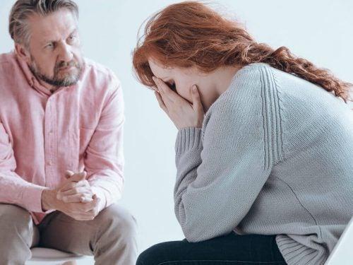 Wat is een postpartum psychose? Oorzaak, gevolg en behandeling