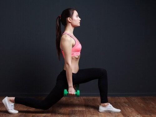 Bilspieren trainen met lunges