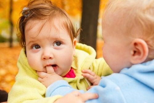 Waarom bijten kinderen en hoe leer je het ze af?