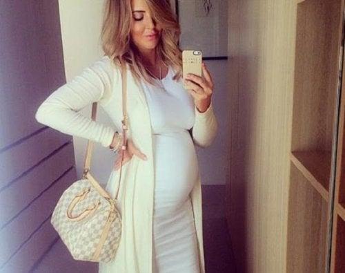 10 belangrijke apps voor zwangere vrouwen