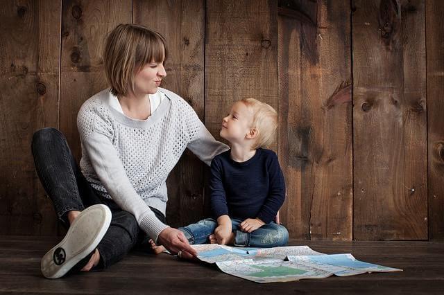 Waarom kinderen lachen als ze gecorrigeerd worden