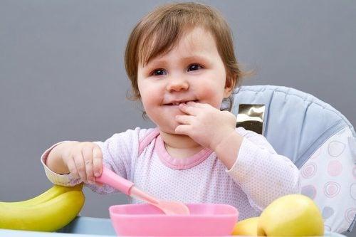 5 tips om je kinderen te leren zelfstandig te eten