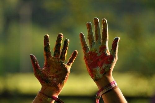 10 opmerkelijke dingen over linkshandige kinderen