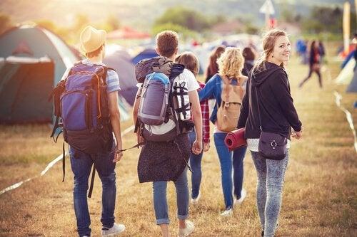 Tieners met een rugzak