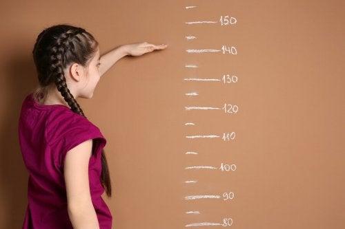 Op welke leeftijd stopt de ontwikkeling van meisjes?