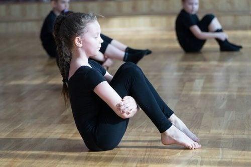 Voordelen van ritmische gymnastiek voor kinderen