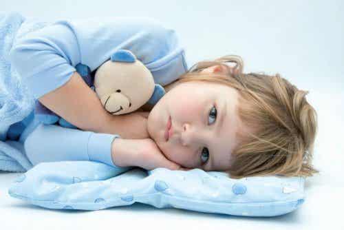 Waarom kinderen nog steeds in bed plassen