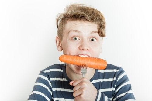 Voedingsmiddelen om het immuunsysteem van je kind te helpen verbeteren waaronder wortelen