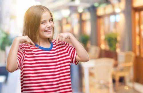 Hoe je kinderen kan leren om van zichzelf te houden
