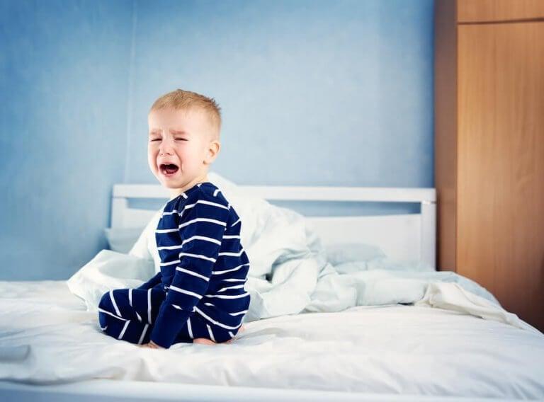 Hoe weet ik of mijn kind genoeg slaap krijgt?
