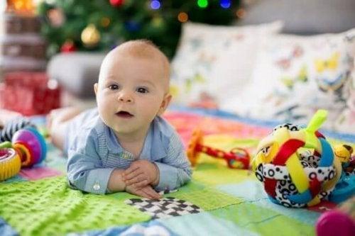 De voordelen van een speelkleed voor baby's