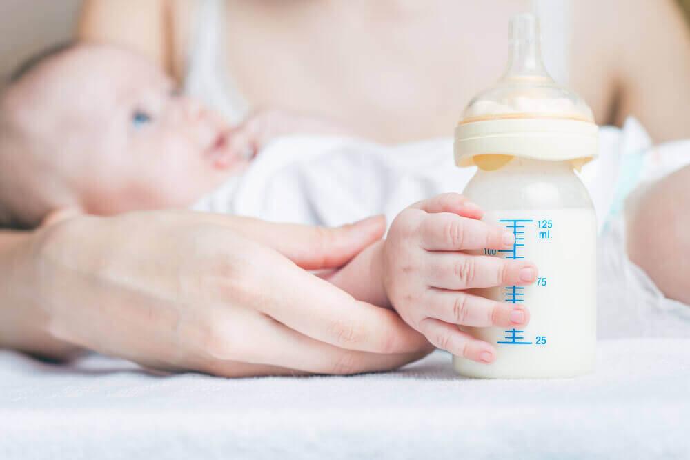Wat gebeurt er in het lichaam van een vrouw tijdens de borstvoeding