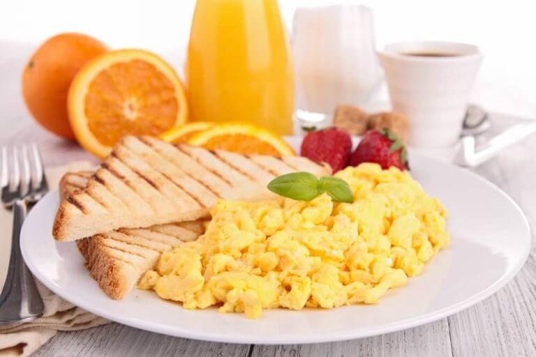 Een gezond ontbijt is noodzakelijk om de dag goed te beginnen