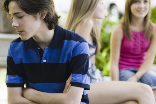 Jongen met weinig zelfvertrouwen