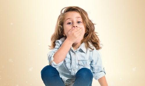 Kind met pijn in de mond