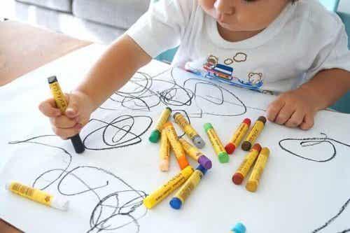 Het belang van het aanmoedigen van kunst in huis