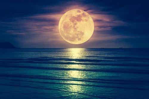 Heeft de maan invloed op de bevalling?