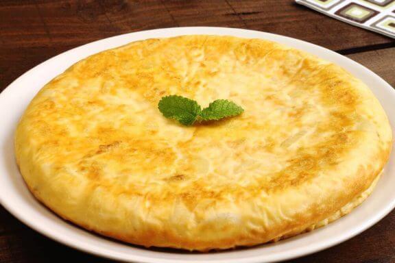 Omelet op een bord
