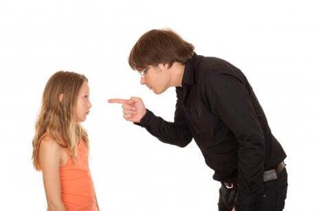 Het gedrag van kinderen en het gebrek aan ouderlijk gezag