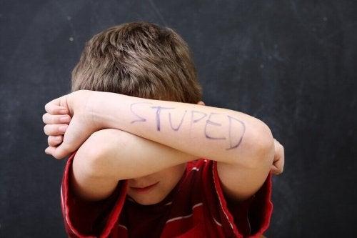 3 potentiële problemen met zelfrespect bij kinderen