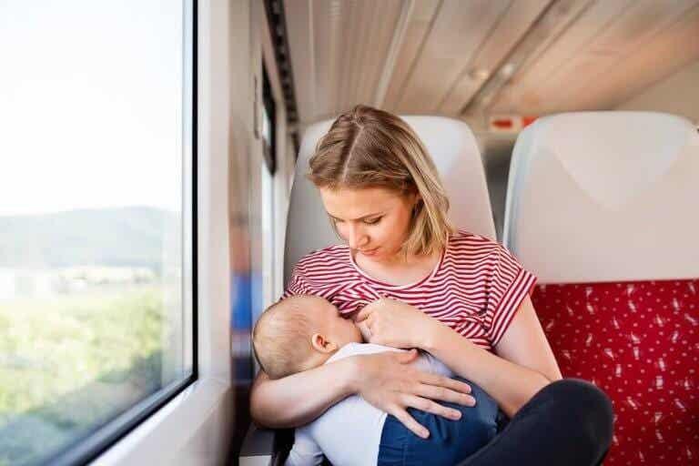Dingen om te onthouden wanneer je met een baby reist