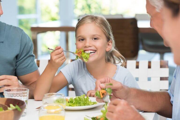 Waarom is het belangrijk om kinderen tafelmanieren te leren?