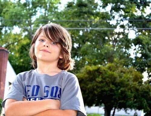 Een jongen vol zelfvertrouwen