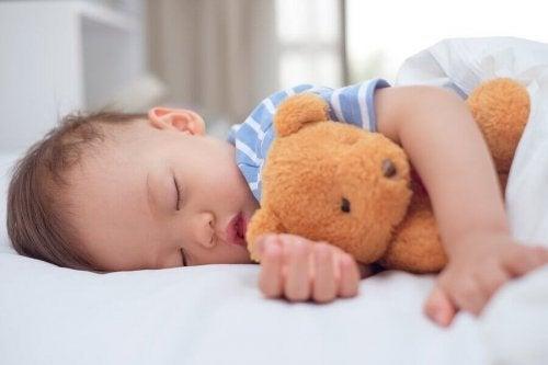 Wanneer moeten kinderen stoppen met dutjes doen?