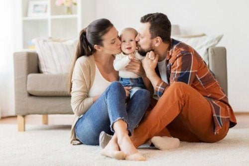 Hoe het moederschap het huwelijk op de proef stelt voor nieuwe ouders