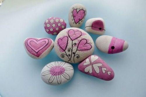 Mooie roze stenen met harten