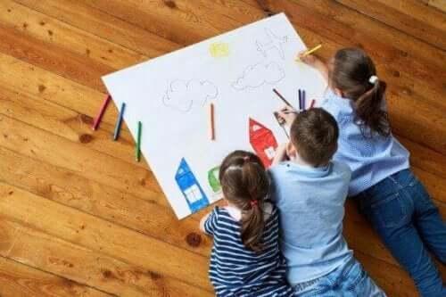 De creativiteit van je kinderen stimuleren met tekenen