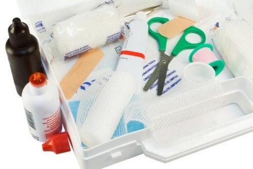Wat moet er in je EHBO-doos zitten?