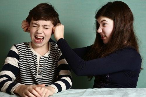 Strategieën om de rivaliteit tussen broers en zussen te beheersen