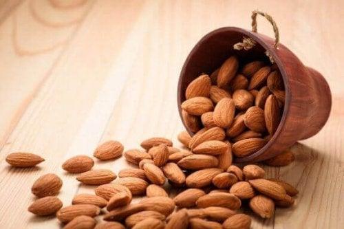 Amandelen leveren onder andere vitamine E