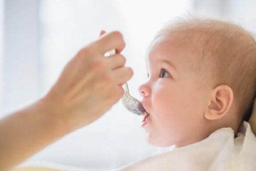 Is het een goed idee om babyvoeding te bewaren?