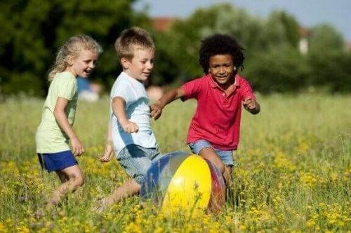 Spelende kinderen