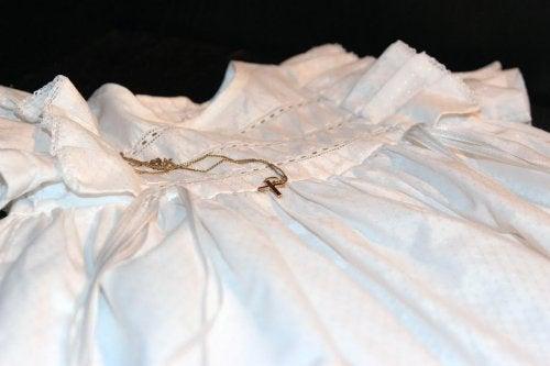 De kleding voor een doping is een suggestie voor doopcadeau's