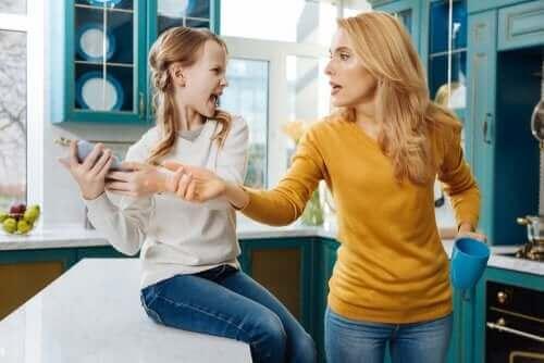 Mogen ouders de sociale media van hun kinderen checken?