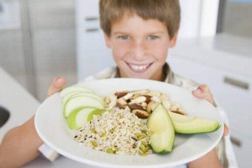 Hoe voeding invloed op schoolprestaties heeft