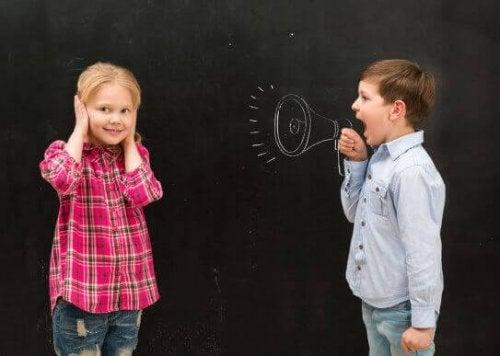 Mijn kind schreeuwt altijd: wat kan ik eraan doen?