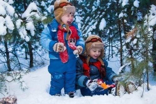 10 sneeuwspelletjes om als gezin te spelen