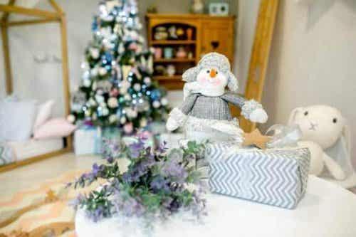 Ideeën om de kinderkamer voor kerstmis te versieren