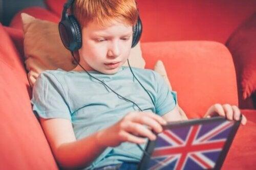 Kinderen tweetalig opvoeden: de OPOL-aanpak