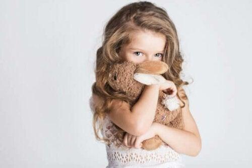 Wanneer gaan kinderen zich preuts voelen?