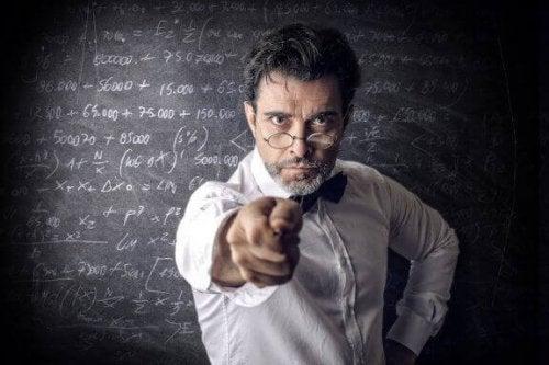 7 gemeenschappelijke kenmerken van slechte leraren