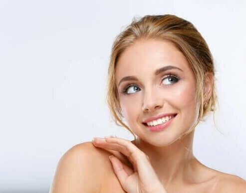 5 snelle make-up tips voor vermoeide moeders
