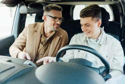 Je kinderen leren autorijden: is het legaal?