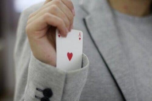 Speelkaart in een mouw