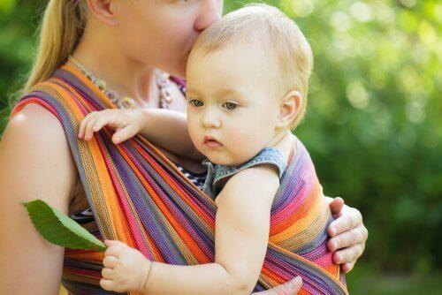 Veilig een baby te dragen