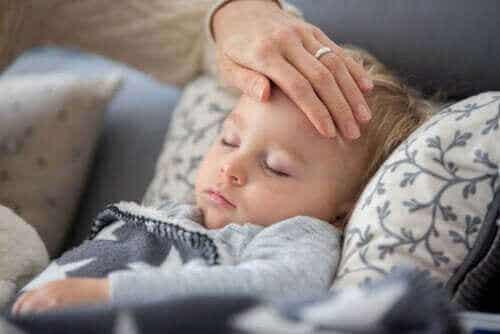 Wat als mijn kind tijdens de lockdown koorts of een hoest krijgt?